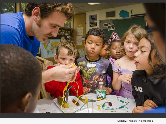 Camp EDMO - kids watching science