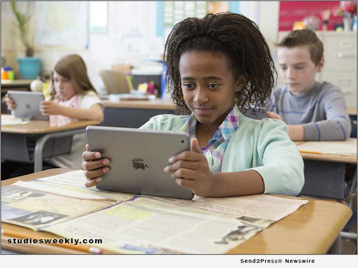 A student uses Studies Weekly Online in a classroom