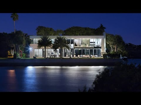 Waterfront Modern Mansion | Florida Luxury Homes | 2299 Ibis Isle Road E. Palm Beach, Florida